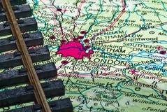 Het spoor van de spoorweg en de kaart van Londen Stock Fotografie