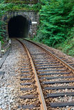 Het spoor van de spoorweg en tunnel stock afbeeldingen