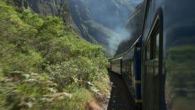 Het spoorreis van Peru van machupicchu aan ollantaytambo stock footage