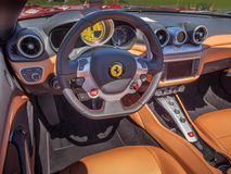 Het sportscar dashboard van Ferrari stock afbeelding