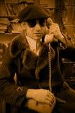 Het spreken op telefoon Stock Fotografie