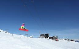 Het springen Snowboarder Stock Fotografie