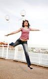Het springen van de vrouw royalty-vrije stock foto