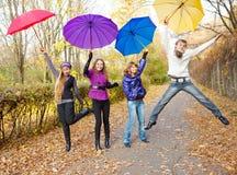 Het springen van tienerjaren Stock Foto