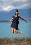 Het springen voor vreugde Stock Fotografie