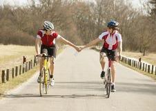 Het sprinten van fietsers Stock Foto's