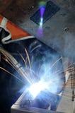 Het staal en de vonken van het lassen Stock Foto's