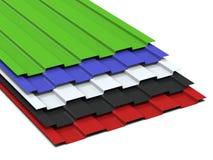 Het staal profileerde multi-colored bladen die in een stapel worden gestapeld Verkoop van staalassortiment het 3d teruggeven royalty-vrije stock foto