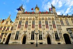 Het Stadhuis van Brugge bij schemer, België Stock Foto's