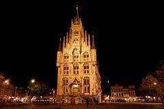 Het Stadhuis van Gouda bij Nacht Stock Fotografie