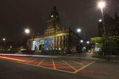 Het Stadhuis van Leeds bij nacht Stock Foto's