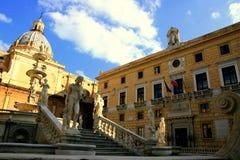 Het stadhuis van Palermo in het vierkant van Pretoria, Italië stock foto's