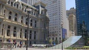 Het stadhuis van Philadelphia van de de zomerdag vierkante het lopen plaats 4k Pennsylvania de V.S. stock videobeelden