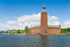 Het Stadhuis van Stockholm in de zomer stock foto's