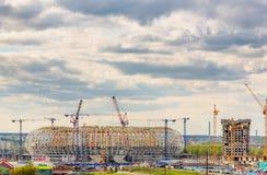 Het stadion van de de Arenavoetbal van Mordovië in aanbouw royalty-vrije stock fotografie