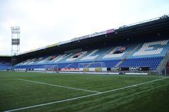 Het stadion van het Footbalvoetbal van het Eredivisie-team PEC Zwolle in Nederland op de binnenkant royalty-vrije stock afbeelding