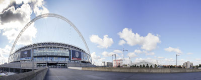 Het stadion van Wembley bij een zonnige dag Royalty-vrije Stock Fotografie
