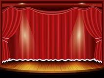 Het stadium van het theater met rode gordijn en schijnwerper Stock Foto
