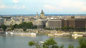 Het stadsleven in Boedapest stock footage