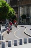 Het stadsleven - Victory Avenue - Boekarest, Roemenië stock foto