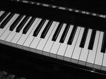 Het standaardtoetsenbord van de groottepiano in zwart-wit Stock Fotografie