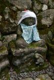 Het standbeeld die van Baby Boedha dragen hoed en leuke kleren? Terwijl Si Royalty-vrije Stock Foto's