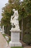 Het standbeeld in het park van Versailles Stock Foto's
