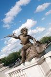 Het standbeeld op de brug Stock Afbeelding