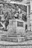 Het standbeeld van Bernardino Telesio, Oude stad van Cosenza, Italië royalty-vrije stock fotografie