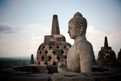 Het standbeeld van Boedha bij Borobudur tempel, Java, Indonesië Royalty-vrije Stock Foto