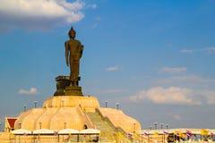 Het standbeeld van Boedha bij Buddhamonthon-Noordoosten , Khonkaen Thailand royalty-vrije stock foto