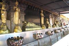 Het standbeeld van Boedha bij de tempel van Doi Suthep in Chiang Mai Royalty-vrije Stock Afbeeldingen