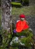 Het standbeeld van Boedha bij Okunoin-Begraafplaats in Japan Stock Afbeelding