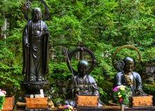 Het standbeeld van Boedha bij Okunoin-Begraafplaats in Japan Royalty-vrije Stock Foto