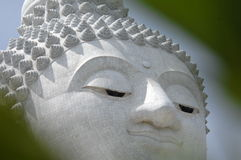 Het standbeeld van Boedha bij phuket Stock Fotografie