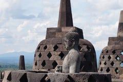 Het Standbeeld van Boedha bij Tempel Borobudur Royalty-vrije Stock Afbeeldingen