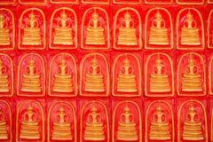 Het standbeeld van Boedha in boeddhisme stock afbeeldingen