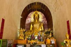 Het standbeeld van Boedha in Chedi, Wat Chet Yot Stock Fotografie