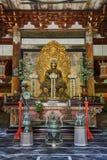 Het Standbeeld van Boedha in de Butsuden-Zaal (de Zaal van Boedha) bij Tempel Daitoku -daitoku-ji in Kyoto Royalty-vrije Stock Foto
