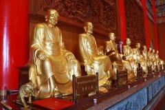 Het standbeeld van Boedha, gipspleister op Chinese tempel Royalty-vrije Stock Afbeelding