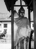 Het standbeeld van Boedha in het Nationale Museum van Chantharakasem stock afbeeldingen