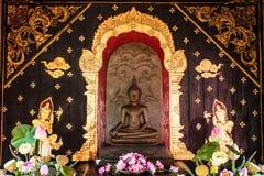 Het Standbeeld van Boedha in noordelijk Thailand Stock Afbeeldingen