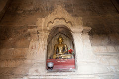 Het standbeeld van Boedha in pagode in Bagan, Myanmar stock foto's