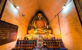 Het standbeeld van Boedha in pagode in Bagan, Myanmar royalty-vrije stock afbeeldingen