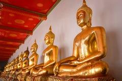 Het Standbeeld van Boedha in Wat Pho (Pho-Tempel) in Bangkok Royalty-vrije Stock Foto's