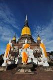 Het Standbeeld van Boedha in Wat Yai Chaimongkol, Ayutthaya, Thailand Stock Afbeeldingen