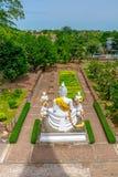 Het Standbeeld van Boedha in Wat Yai Chaimongkol, het Historische Park van Ayutthaya, royalty-vrije stock afbeelding