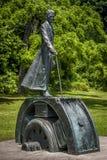 Het standbeeld van bronsnikola tesla Stock Afbeelding
