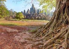 Het standbeeld van de Bayontempel, Angkor, Siem oogst, Kambodja Stock Foto's