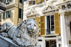 Het standbeeld van de leeuw van de kerk van Heilige Lorenzo royalty-vrije stock afbeeldingen